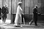 koningin Mary met koning George V in Parijs