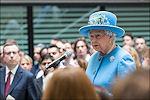 Elizabeth II legt functies neer